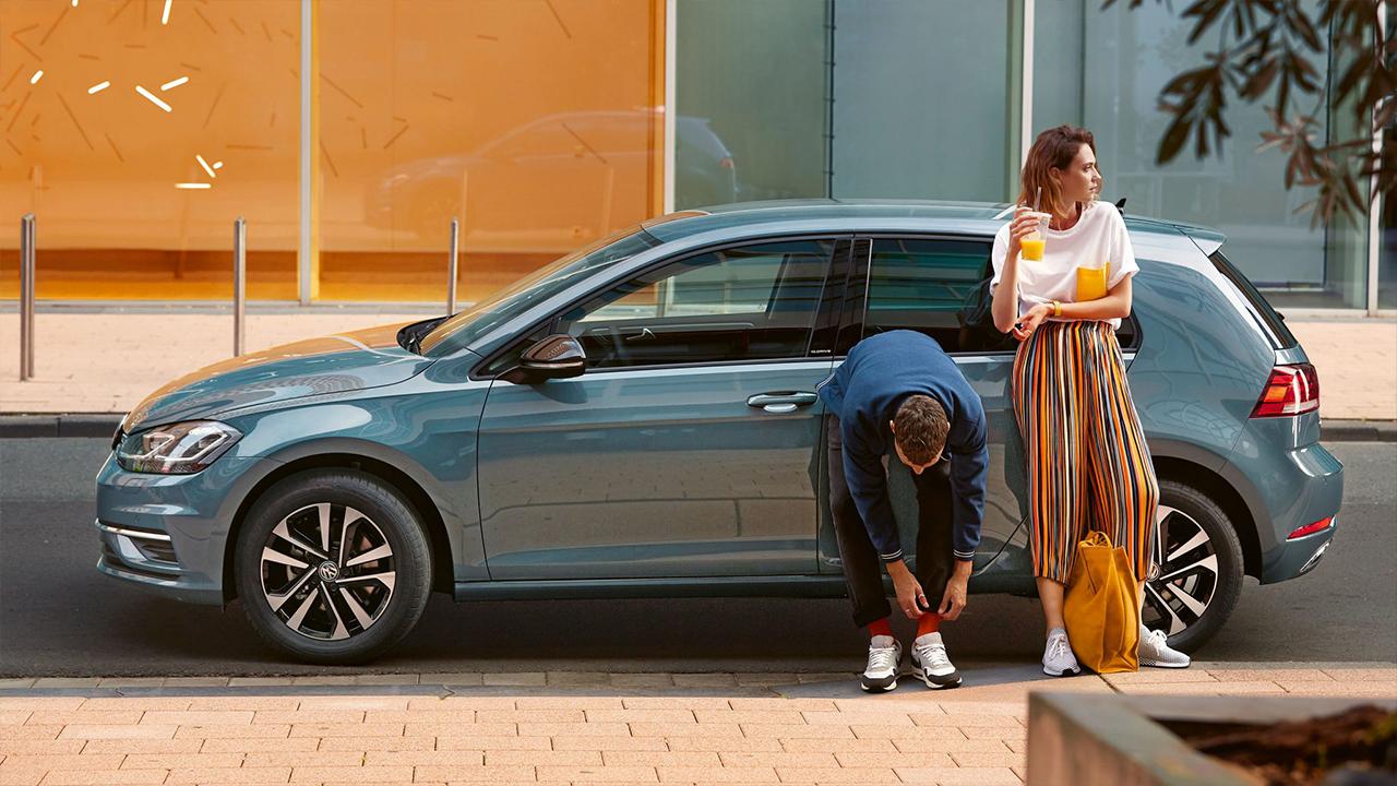 Couple with Volkswagen IQ