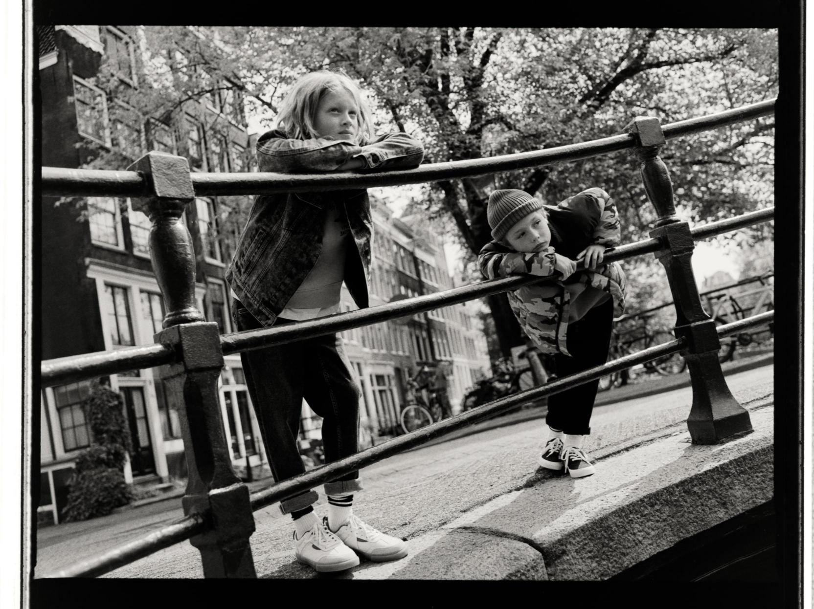 ZARA_14_boys_Amsterdam_5